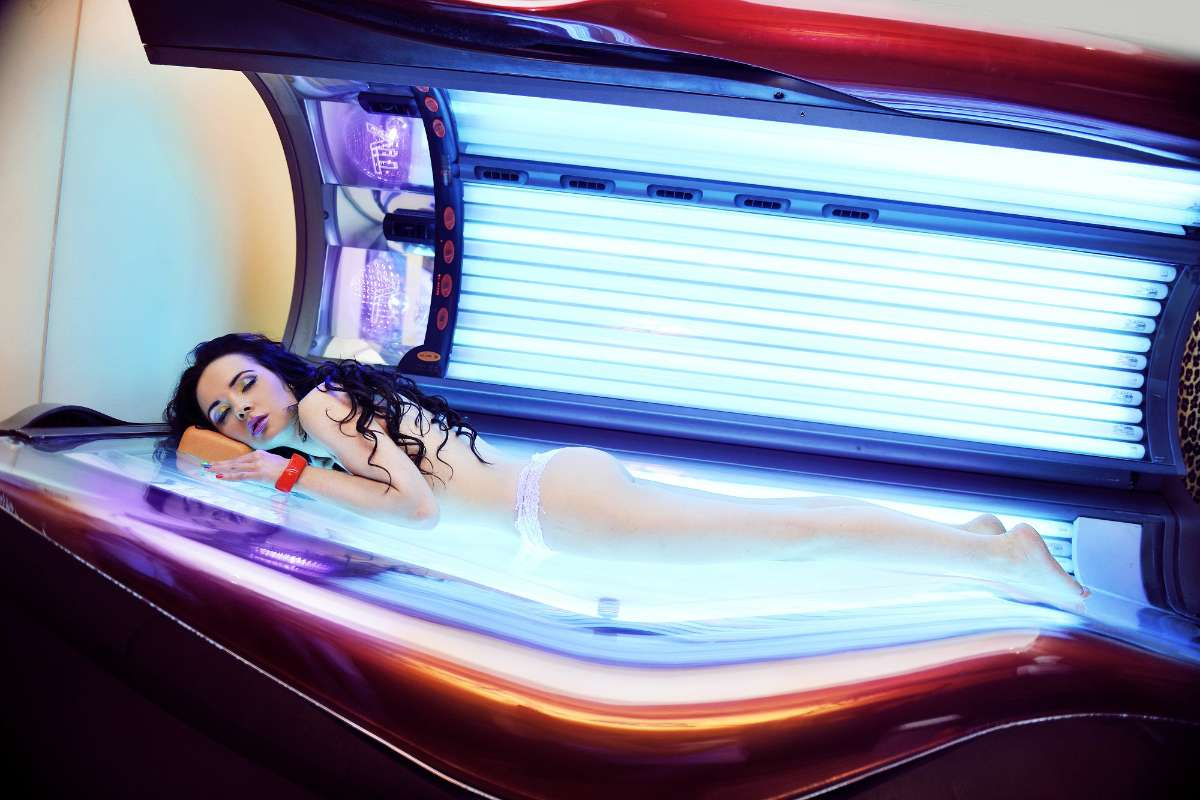 what is solarium tanning